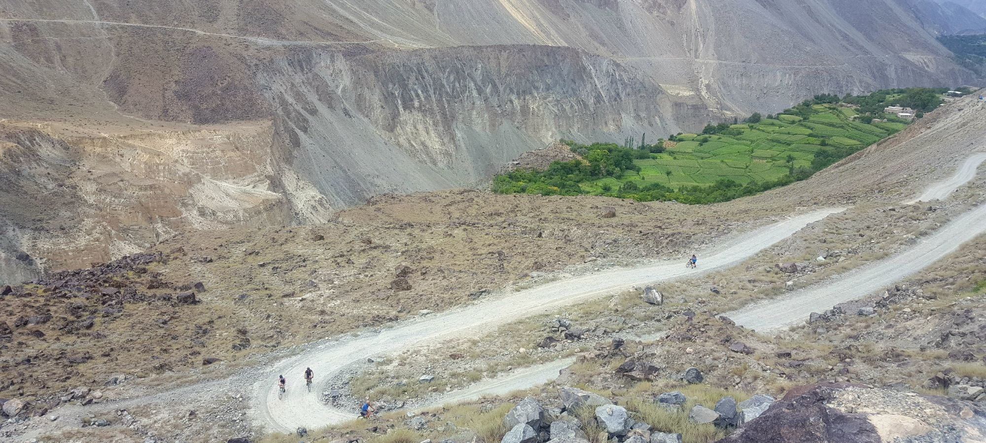 cycling The Karakoram highway