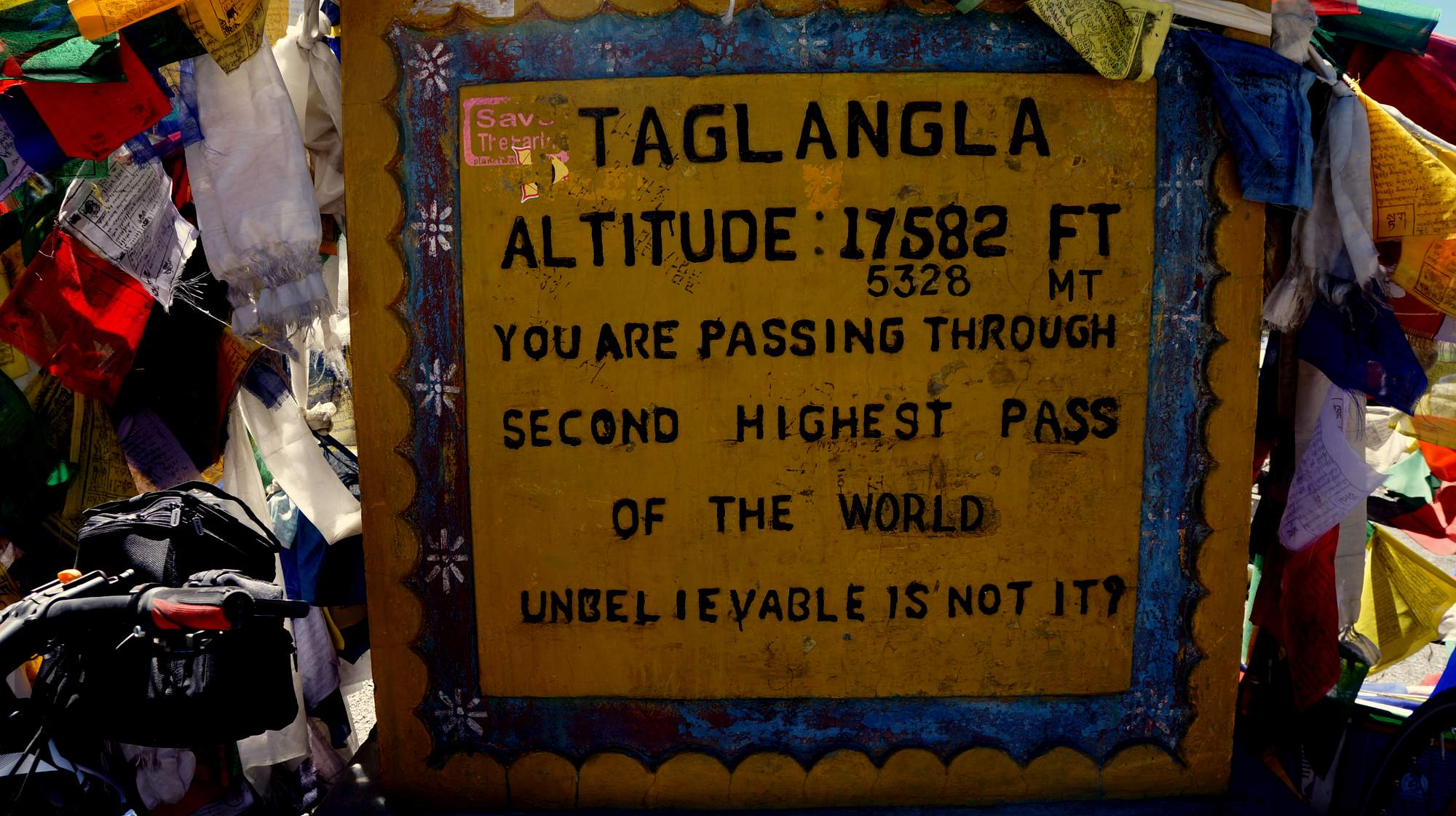 Cycling Taglang La Pass 5,328m