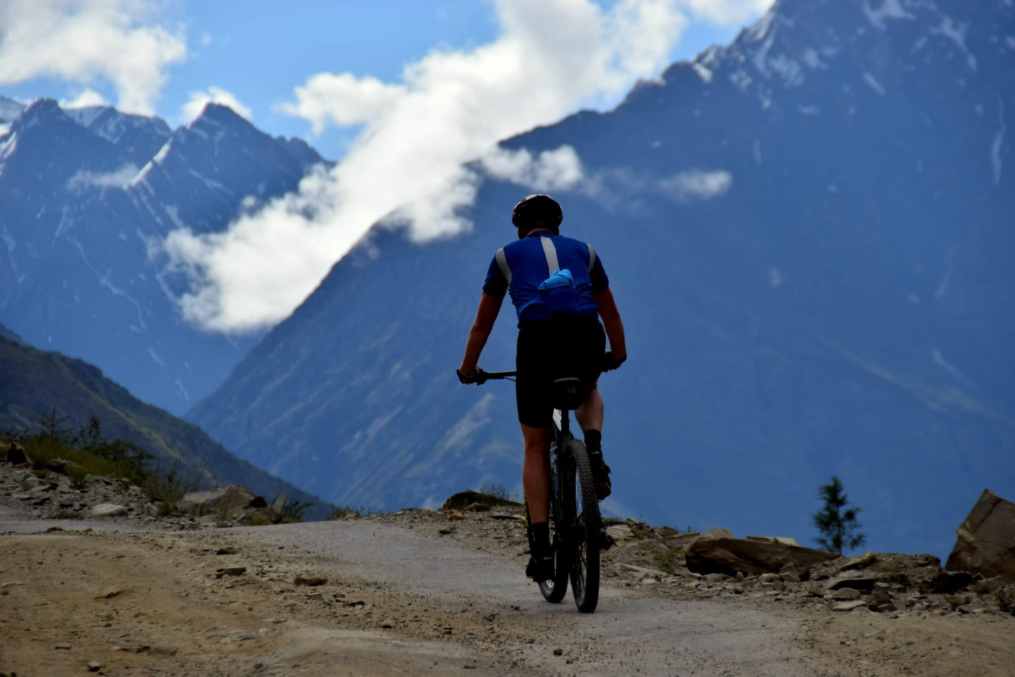 Cycling Sarchu to Whisky Nullah