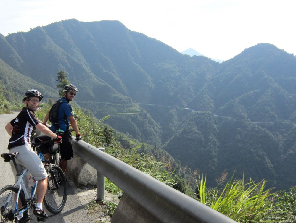 Cycling to Rongjiang