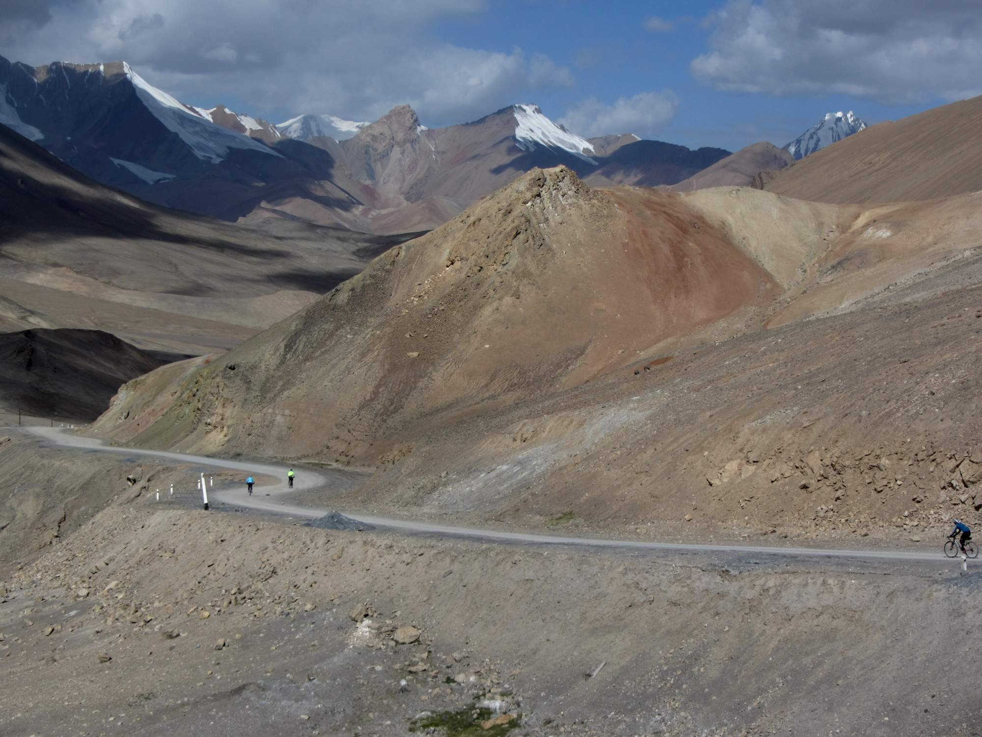 Cycling towards Ak-Baital Pass