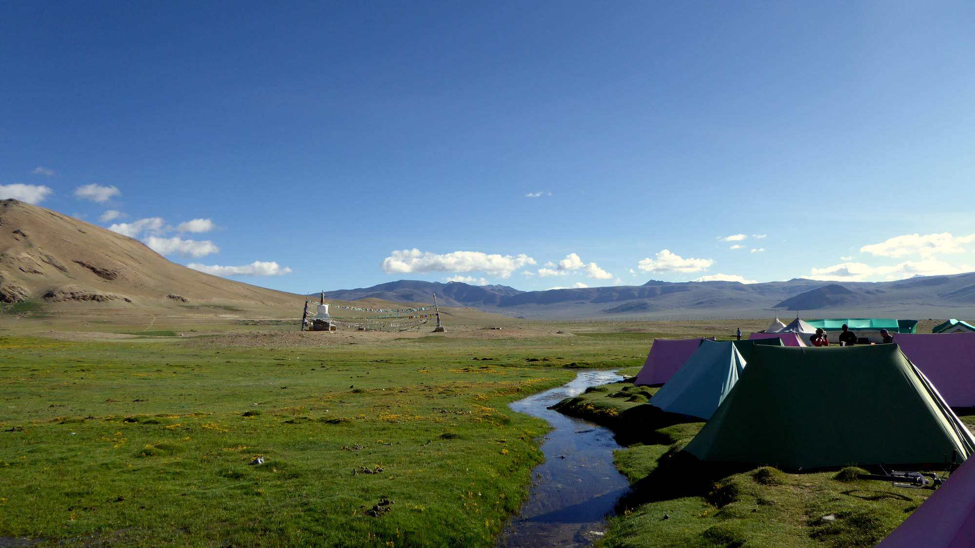 camping at altitude India himalaya