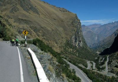 Peru, COMING DOWN THE Malaga Pass