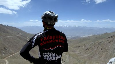 Cycling  Khardung-La Pass