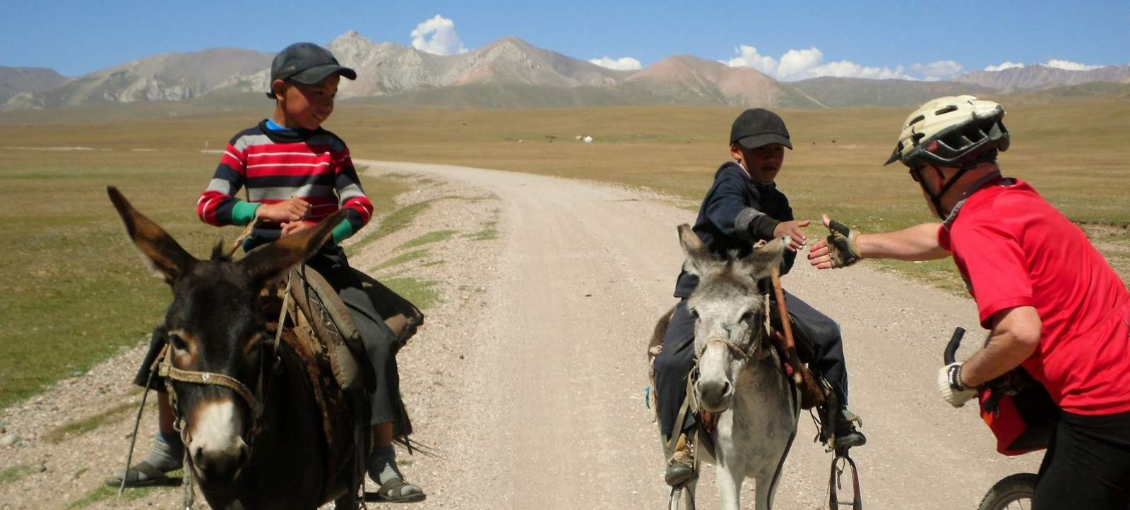 kyrgyz holidays Skiing in kyrgyzstan: an overly-thorough guide  all prices listed in kyrgyz som unless otherwise  10 responses to skiing in kyrgyzstan: an overly-thorough guide.