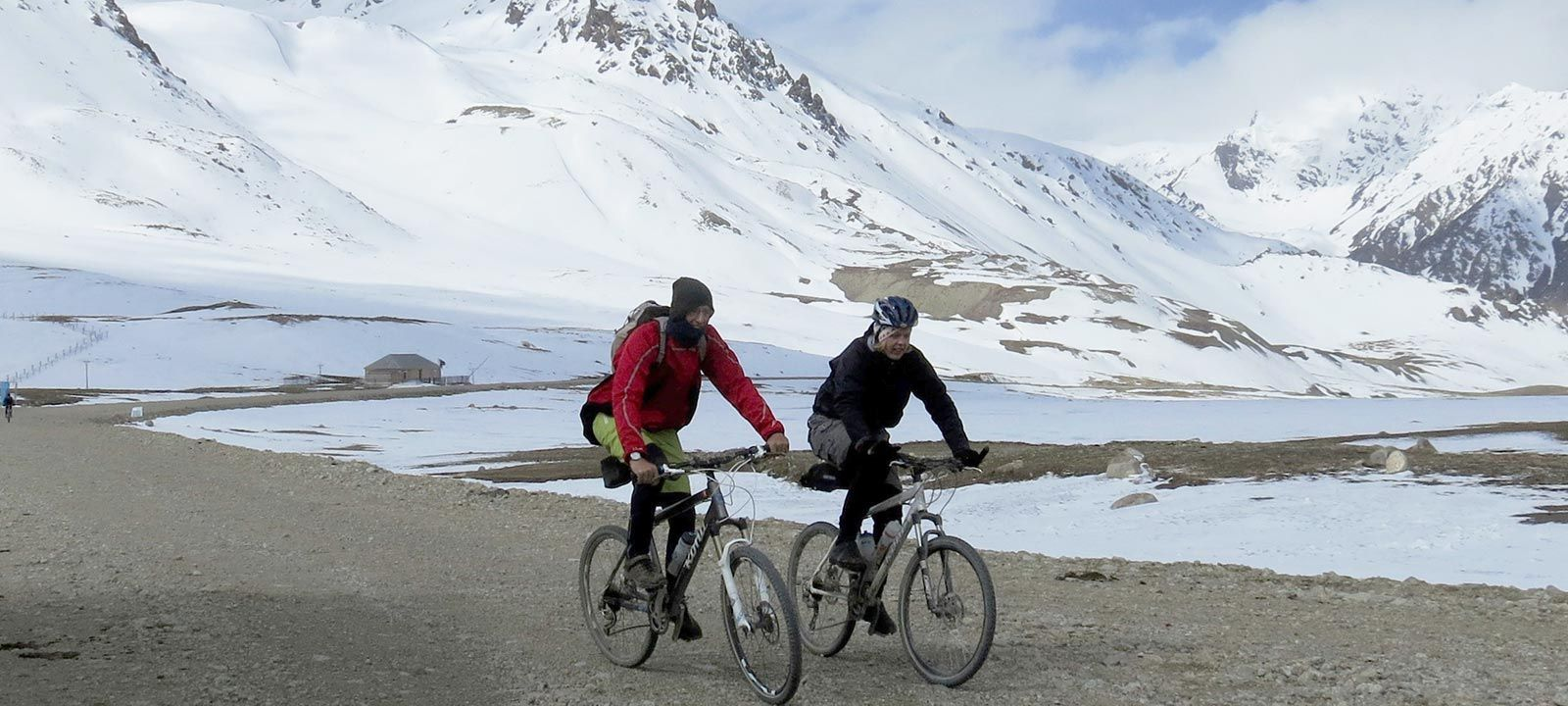 The Tibet cycling holiday offers great physical challenges and some extreme mountain bike rides combined with breath taking scenery as you cycle 'The Roof of the World'.