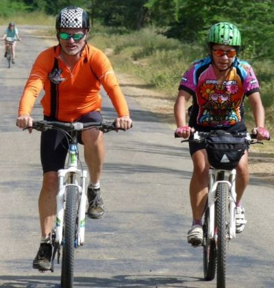 Mike and Berta Glodowski Cycling on the  tour with redspokes