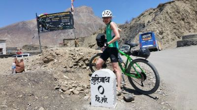 Christine Versteegden Cycling on the Nepal tour with redspokes