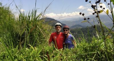 Larry Nafziger &  Jane Snider Cycling on the  tour with redspokes