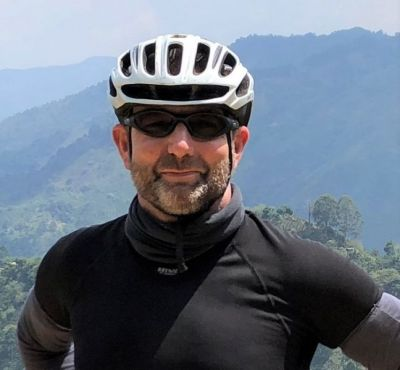 Aidan Prior Cycling on the Colombia - Medellin to Bogota tour with redspokes