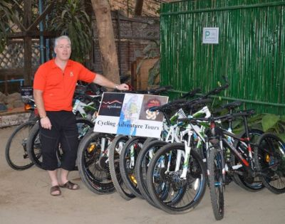 Paul Goulding Cycling on the  tour with redspokes