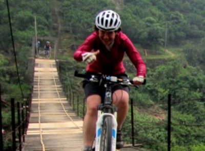 Ingrid Pelssers Cycling on the China - South East  tour with redspokes