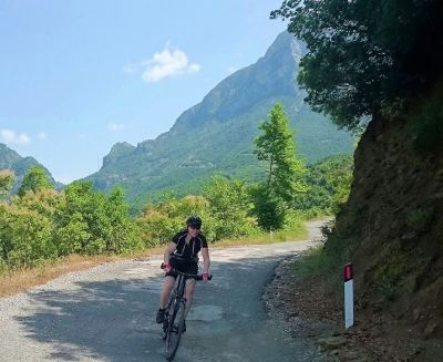 Katja Stille Cycling on the  tour with redspokes