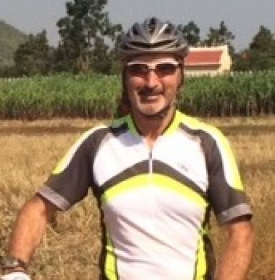 David Harrison Cycling on the  tour with redspokes