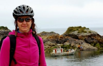Dawn Manning Cycling on the Chile & Argentina tour with redspokes