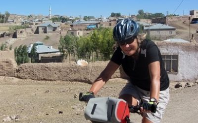 Kathryn Mayne Cycling on the Turkey - Kurdistan tour with redspokes