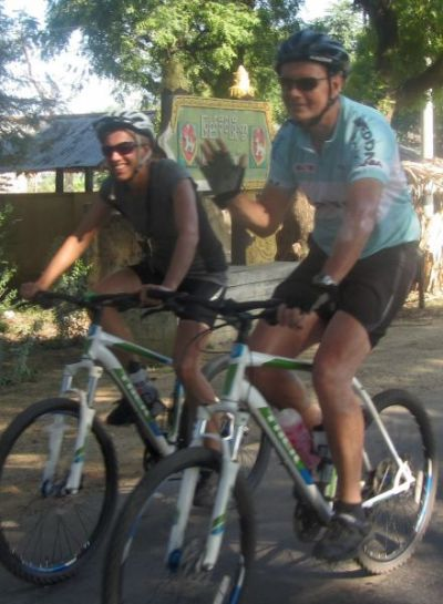 Karen and Rob Jones Cycling on the Burma - Mountains, Beaches & Stupas tour with redspokes
