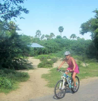 Wendy Holland Cycling on the Colombia - Medellin to Bogota tour with redspokes