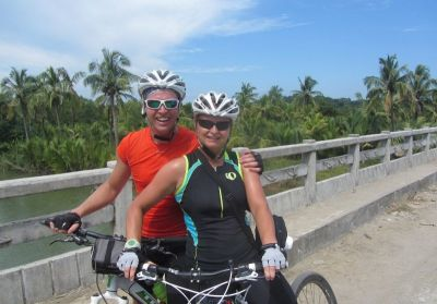 Diana de Rooij &  Gerrit Aarnoudse Cycling on the Burma - Mountains, Beaches & Stupas tour with redspokes