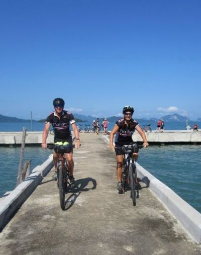 Michael & Christine Lawton Cycling on the  tour with redspokes