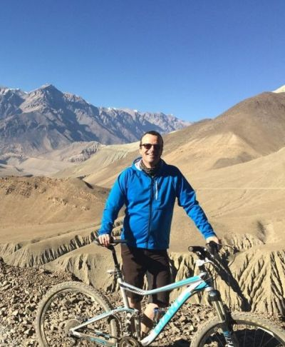 Weland Mahar Cycling on the Nepal tour with redspokes
