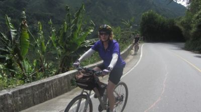 Cindy Richards Cycling on the Colombia - Medellin to Bogota tour with redspokes