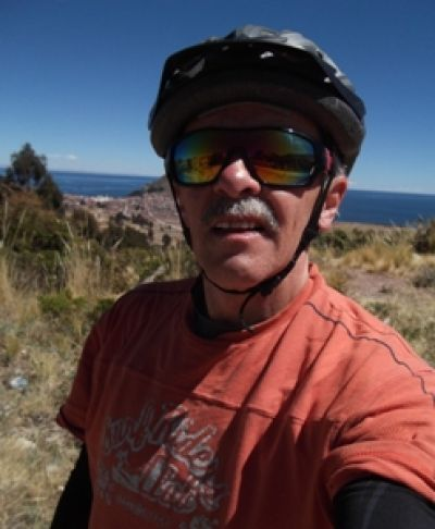 James Ginn Cycling on the Peru & Bolivia  tour with redspokes