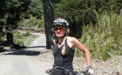 Vik Lomax Cycling on the Chile & Argentina tour with redspokes