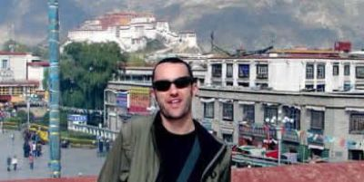 Steve Barnes Cycling on the Lhasa to Kathmandu tour with redspokes