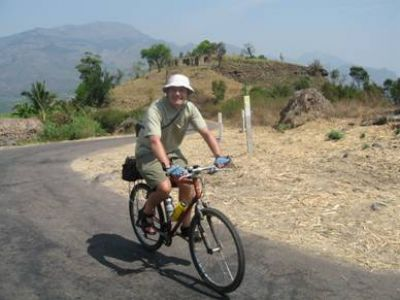 Roger Troughton Cycling on the India - Kerala tour with redspokes