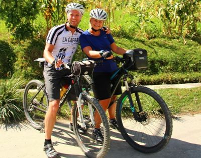 Diana & Gerben Cycling on the  tour with redspokes