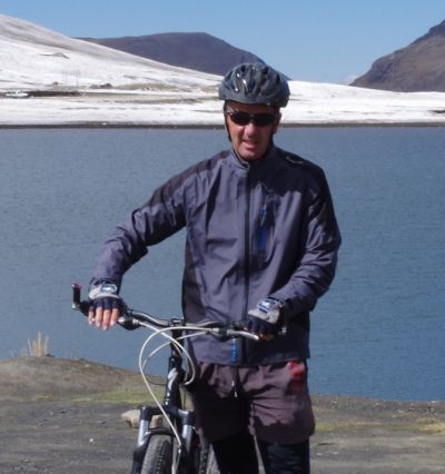 Jerry Bolton Cycling on the Peru & Bolivia  tour with redspokes