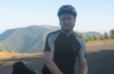 Robert Burford Cycling on the India - Kerala tour with redspokes