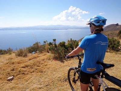 Michelle Tarvit Cycling on the Peru & Bolivia  tour with redspokes