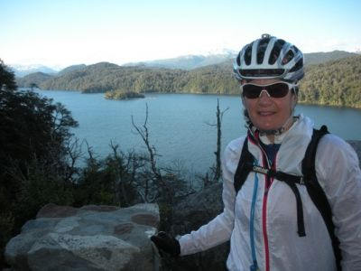 Sara Blyth Cycling on the Chile & Argentina tour with redspokes