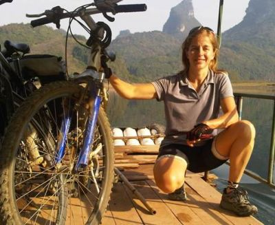 Nicola Hardie  Cycling on the China - South East  tour with redspokes
