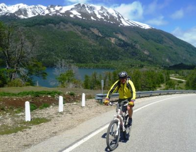 Peter Bowman Cycling on the Chile & Argentina tour with redspokes