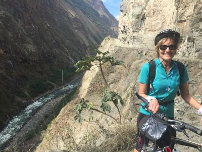 Alison Blattman Cycling on the Peru & Bolivia  tour with redspokes