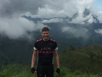 Peter Dahlhus Cycling on the  tour with redspokes