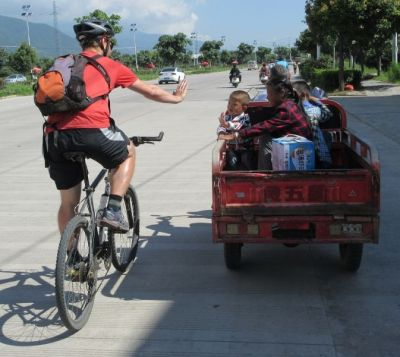 Peter and Jannie Werkhove Cycling on the China - Yunnan tour with redspokes