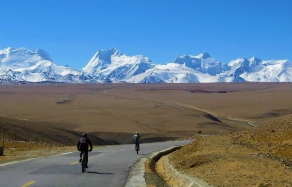 Explore redspokes' Lhasa to Kathmandu Bicycle Tour